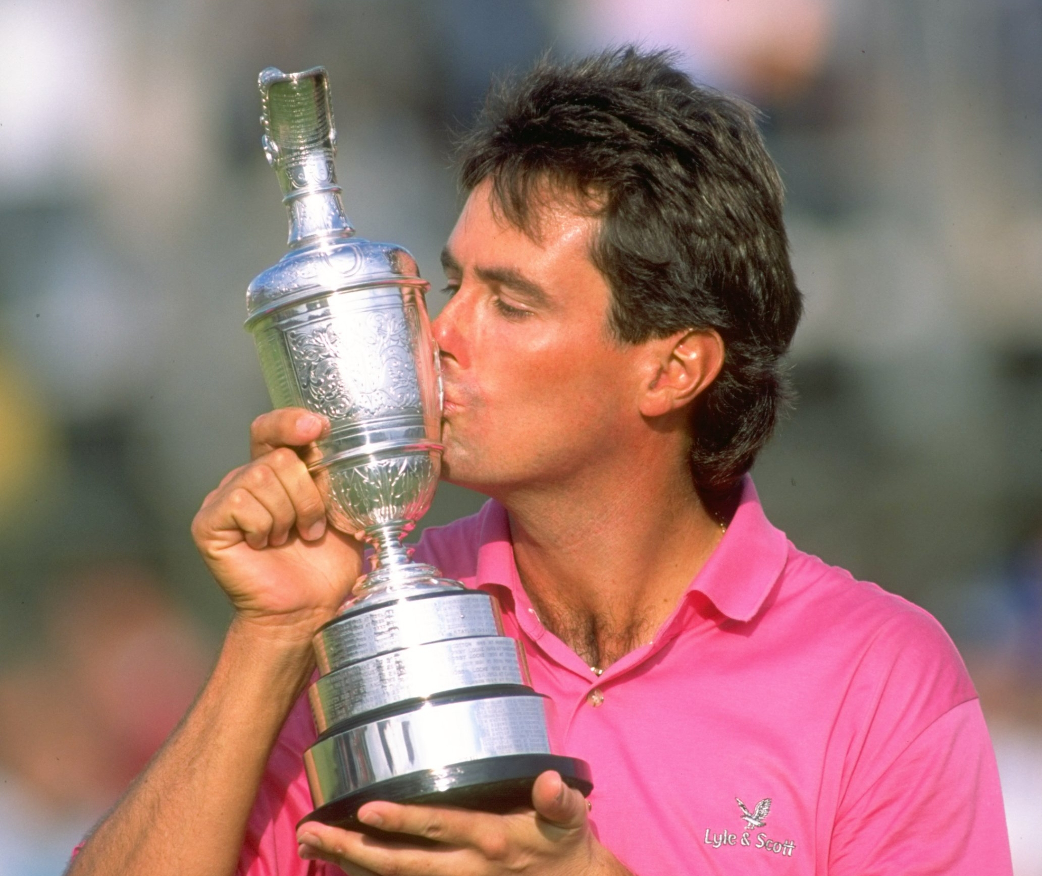 SOUTHPORT, ENGLAND - JULY 21: Ian Baker-Finch kisses the Claret Jug after winning the Open Championship at the Royal Birkdale Golf Club on July 21, 1991. (David Cannon/Allsport)